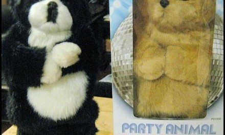 Review: Party Animal Dancing Speakers Novelty Plush Portable Speaker