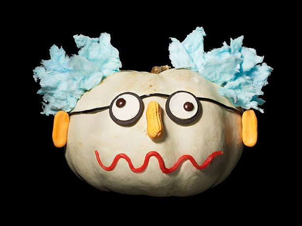 FNM_100113-Mad-Scientist-Candy-Pumpkin_s4x3_lg