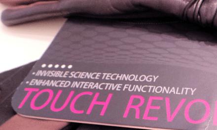 UR Powered: Women's Touch Screen Gloves