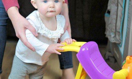Toddler Toys: Playskool ROCK, RIDE 'N STRIDE HIPPO Toy