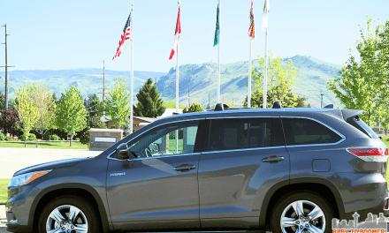 2015 Toyota  Highlander Hybrid Limited Test Drive: A Luxury Ride